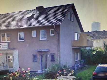 Rheinnähe, schöne helle 2-Zimmer-Dachgeschosswohnung in Bonn-Beuel