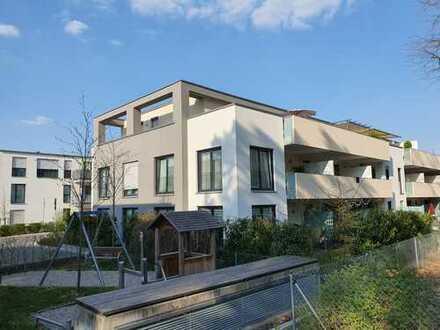 Sonnige 4-Zimmer-Wohnung mit Balkon und EBK in Erlangen Bruck