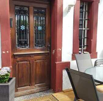 Sanierungsbedürftige Erdgeschosswohnung mit Gartenanteil in St. Ingbert-OT zu verkaufen