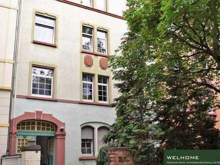 Ruhig gelegene, charaktervolle DG-Wohnung mit EBK und Niveau