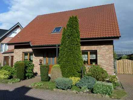Gemütliches Einfamilienhaus mit Doppelgarage