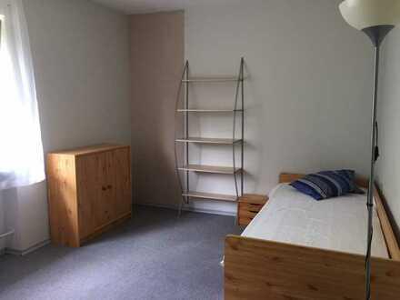 WG-Zimmer in großzügiger Wohnung zu vermieten