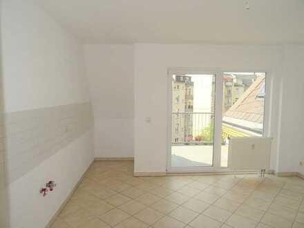 Tolle Wohnung mit schöner Aussicht von der Dachterrasse dazu erhalten Sie 1 Monat mietfrei