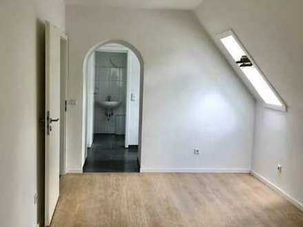 Saniertes Single-Appartement im DG ++ mit EBK ++