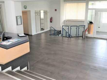 2.400 m² PRUDUKTIONS-/ LAGERHALLE SOWIE 950 m² BÜROFLÄCHE IN AUTOBAHNNÄHE