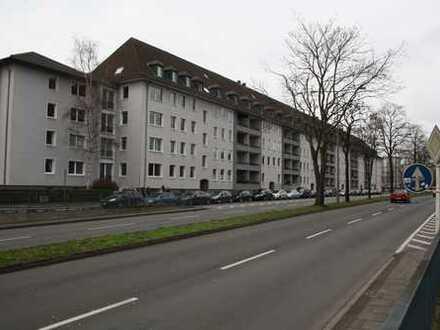 ***Greifen Sie jetzt zu! Ideal geschnittene 5 Zimmer Wohnung in Lindenthal***