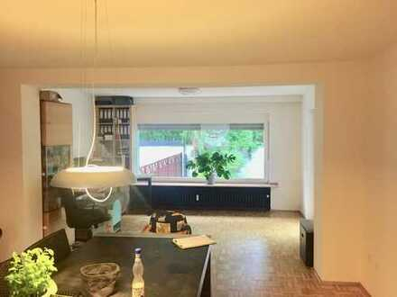 Vollständig renovierte 4-Zimmer-Wohnung mit Terrasse und Garten in Mönchengladbach