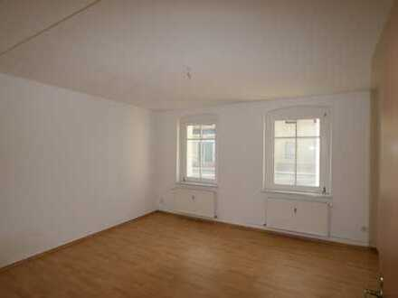 geräumige 3-Zimmer-Wohnung in modernisiertem Altbau in Zentrumslage!