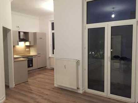 Neustadt: schöne, modernisierte 2-Zimmer Singlewohnung im Altbremer Haus