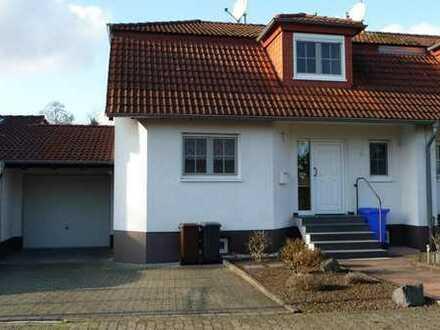 Schöne Doppelhaushälfte mit 5 Zimmer in ruhiger Lage von Rosbach
