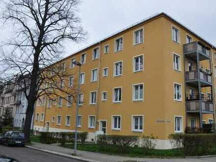 Hübsche 2-Zimmer-Wohnung in herrlich grüner und ruhiger Lage ...