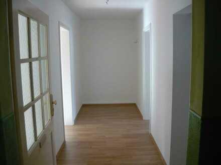 Bezugsfertige 2-Raum-Wohnung mit Wohnküche