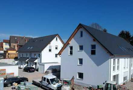 Neubau : Charmante Maisonettewohnung mit wunderschöner Talaussicht in zentraler Lage von Gaiberg