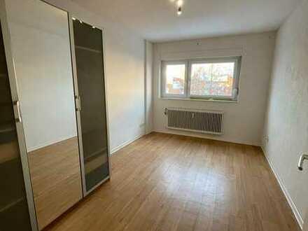 Schöne 4-Zimmer Wohnung mit 2 Balkonen