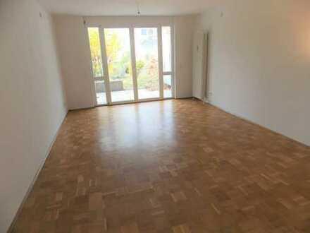 Helle Erdgeschosswohnung mit großzügigem Garten in Oberreut zu vermieten