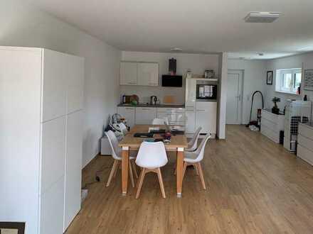 Schöne 1-Raum-Loft-Wohnung mit EBK, Terrasse und Tiefgarage in Deggendorf