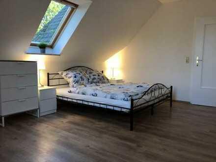 Möblierte 3-Zimmer-DG-Wohnung mit EBK in Brunsbüttel/ Blangenmoor