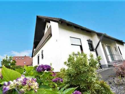 Gemütliches EFH mit Fußbodenheizung, 8 Zimmern u. großem Grundstück im schönen Dentlein