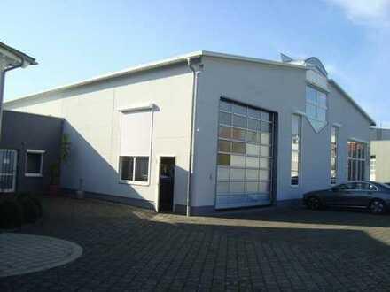 Moderne Gewerbehalle mit Büro u. Laufkran