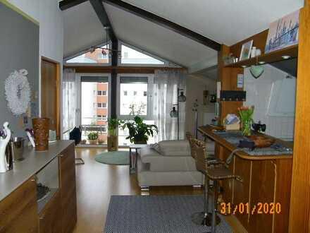 Speyer, -West, 100 m² traumhaftes Dachstudio im 5. OG mit Aufzug, 3 ZKB, sofort frei, max 3 Pers.