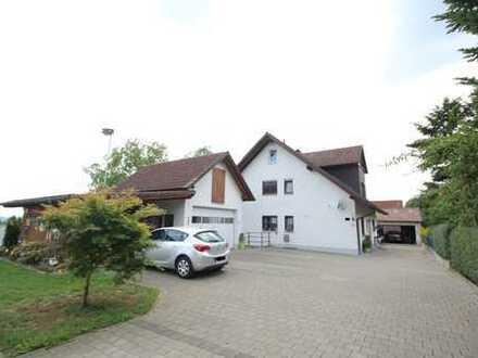 3,5-Zimmer-Wohnung mit Balkon, Schwedenofen, EBK und Alpenblick