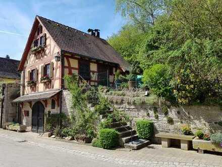 Historisches Fachwerkhaus mit Gewölbekeller (Niederstetten TO Wildentierbach)