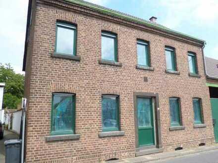 Erstbezug nach Komplett-Sanierung: Wohnen auf dem Lande in Rommerskirchen-Anstel