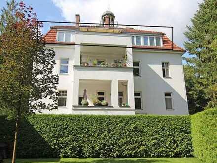 ***Moderne, helle Dachgeschoss-Maisonette in Altbauvilla mit gr. Terrasse und Grünblick***