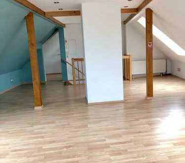 Schönes, geräumiges Haus mit fünf Zimmern in Offenbach (Kreis), Langen (Hessen)