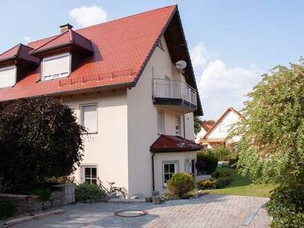 Geräumige Wohnung mit zwei Zimmern zur Miete in Burggaillenreuth