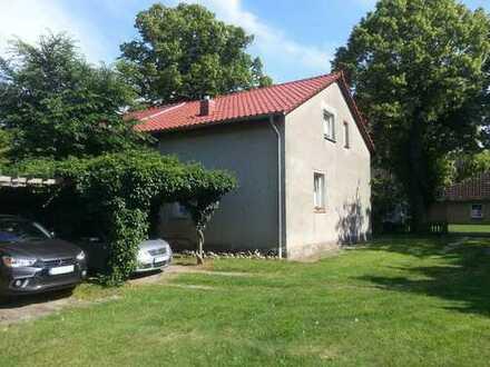 Haus zu verkaufen (Doppelhaushälfte) 100m² Wohnfläche 1400 m² Gst