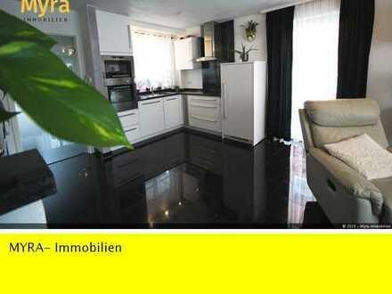 Bj: 2008- 143 m² WFL, 2 EBK, 2 Bäder, Kamin und Terrasse-Bezug sofort möglich !