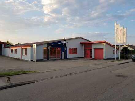 Bürogebäude im Industriegebiet