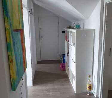 Großzügiges 45qm WG-Zimmer - teilweise möbliert - in Mädels-WG mit 2 Hauskatzen
