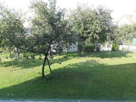 Grosser Garten, Bad + WC mit Fenster, 3,5-Zimmer, Einzelgarage
