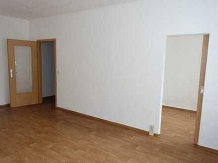 geräumige 1-Raum-Wohnung mit Balkon I ab sofort