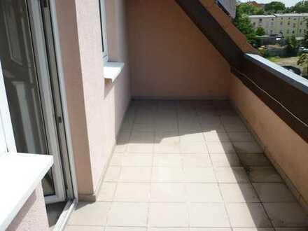 Helle 2-Zimmer-Wohnung mit Balkon!