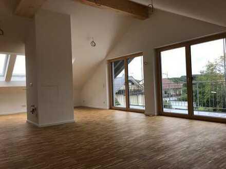 Erstbezug: exklusive 3-Zimmer-Dachgeschosswohnung mit 2 Balkonen in Weßling