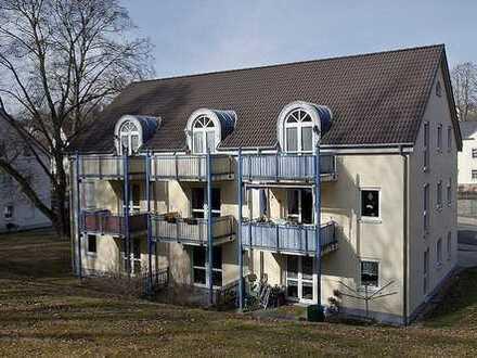 helle Wohnung mit Balkon und PKW- Stellplatz (DG/l.27)