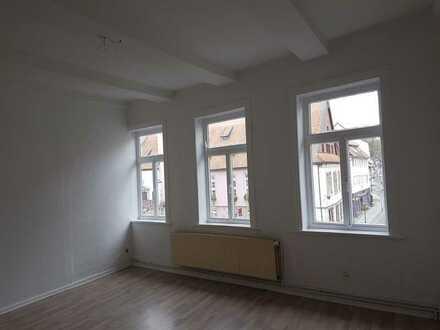 ** Zentrale & helle 3-Zimmer Wohnung im Altbau **