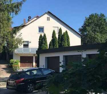 Sanierte 3,5-Zimmer-Erdgeschosswohnung mit Balkon und EBK in Fürth