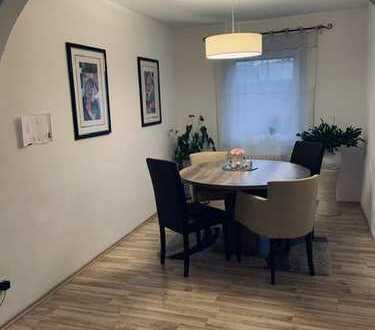 Exklusive, sanierte 3,5-Zimmer-Wohnung mit Balkon und Einbauküche in Schwäbisch Gmünd