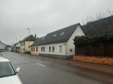 Gemütliches 3 Zimmer-Haus in Niederauerbach