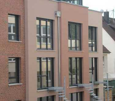Traumhaftes Penthouse mit verglastem Patio und neuer EBK