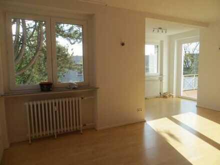 4 Zimmer / Küche/Bad/Balkon/ Einbauküche/ san. AB / Ostviertel