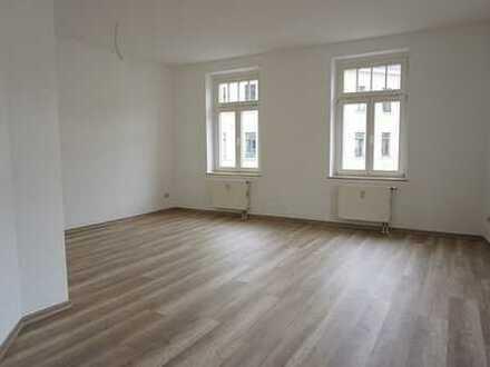 Wunderbare 2 Raumwohnung mit Wohnküche und EBK zur Nutzung