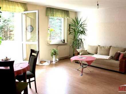 Gut geschnittene Eigentumswohnung mit Balkon und Stellplatz