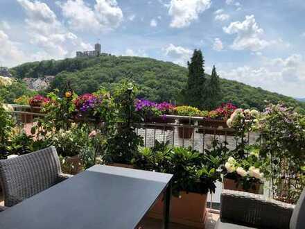 Außergewöhnliche 4-Zimmer-Wohnung mit Burgblick in Königstein im Taunus