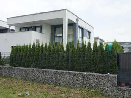 Modernes freistehendes Einfamilienhaus Bj. 2012 in begehrter Lage am Feldrand