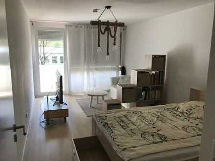 Exklusive 1-Zimmer-Wohnung mit Balkon in Milbertshofen, München